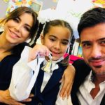 Вопреки слухам о расставании: Ани Лорак и Мурат отвели дочь в первый класс