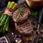 Как правильно приготовить стейк из говядины: классический рецепт