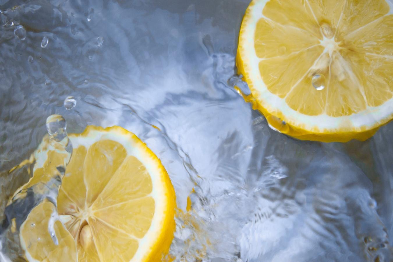 вода с лимоном польза и вред