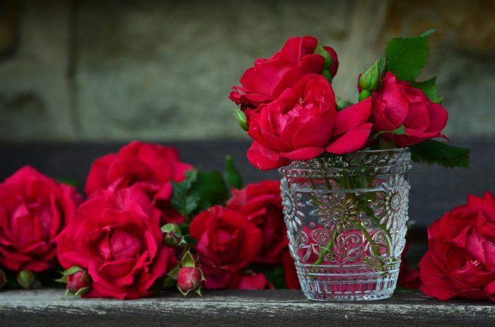 Как продлить жизнь цветам поставленным в вазу