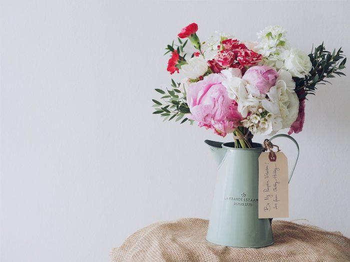 как сделать чтобы розы долго стояли