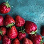 Открываем сезон клубники: польза, вред и как выбрать ягоды без нитратов