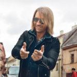 Преданная фанатка Олега Винника сделала тату с названием его хита