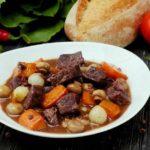 Мясо по-бургундски: рецепт от ведущей «Ревизора» Юлии Панковой