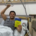 """""""Я хотів полежати у простій лікарні, але звик до luxury, delux& VIP"""": Сергей Притула показал клинику, в которой лежал с переломом"""