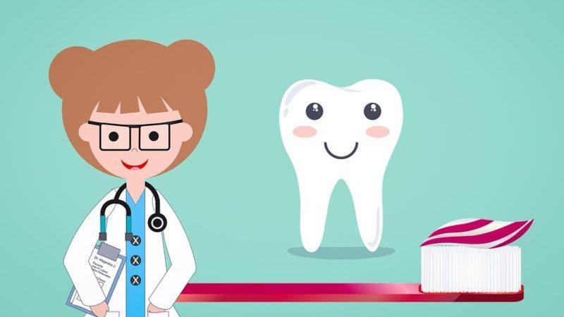 Как отбелить зубы в домашних условиях: 5 простых способов