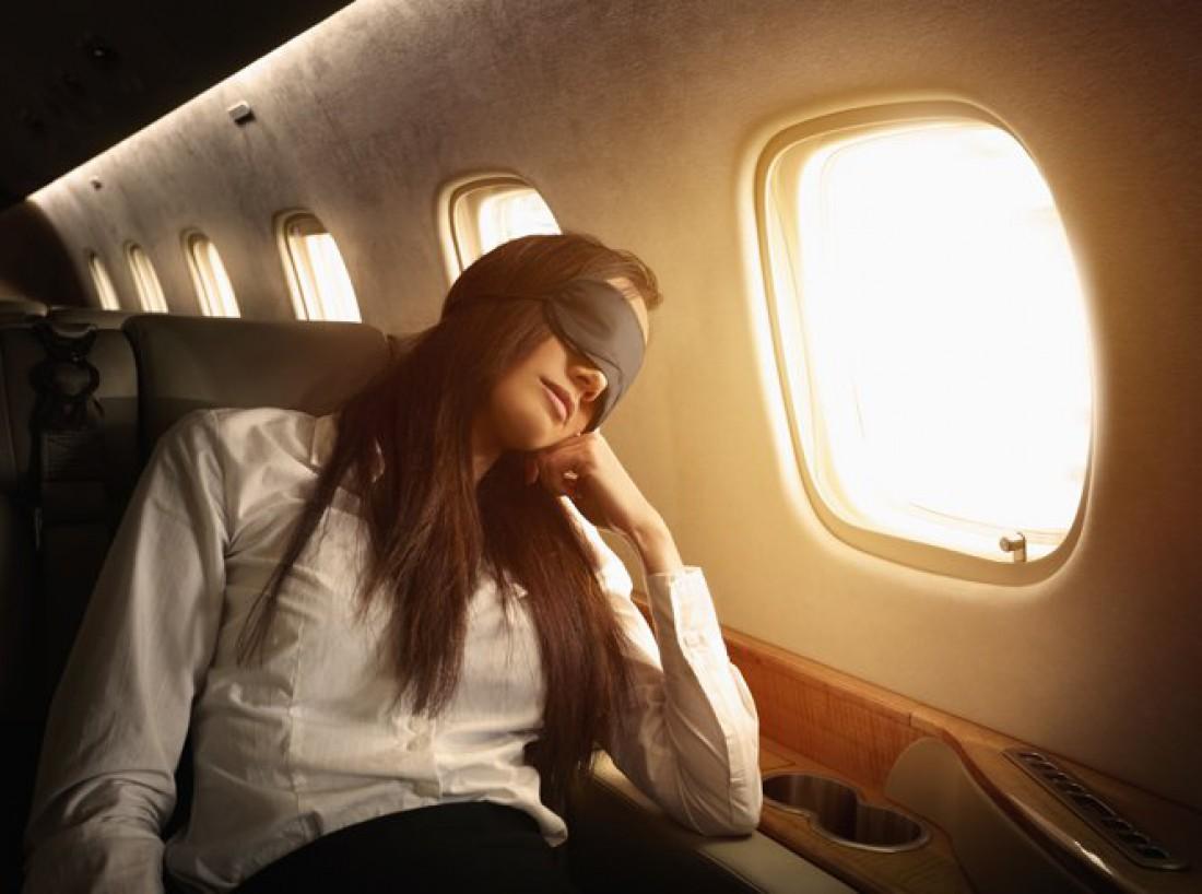 долгий перелет что делать в самолете