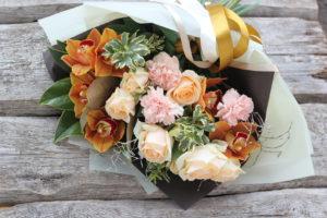 как правильно составить букет из живых цветов