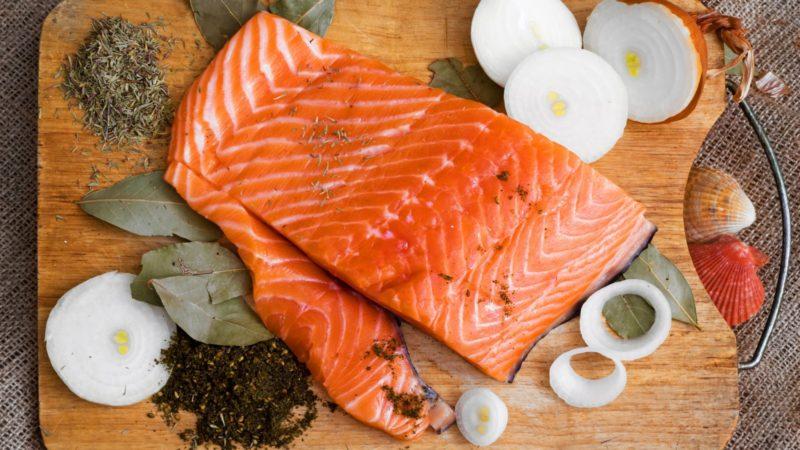 Как сделать слабосоленую красную рыбу