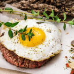 Как приготовить бифштекс: рубленный и с яйцом (РЕЦЕПТ)
