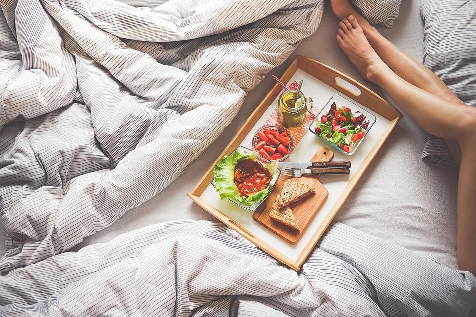 польза завтрака для организма человека