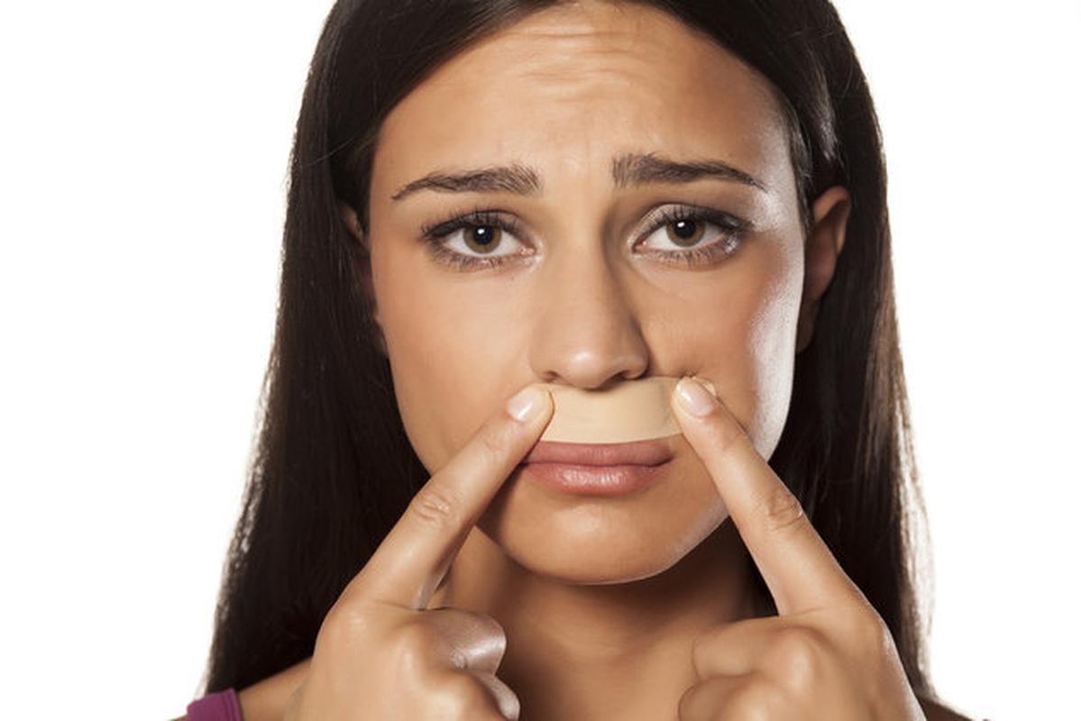 как убрать усики над губой