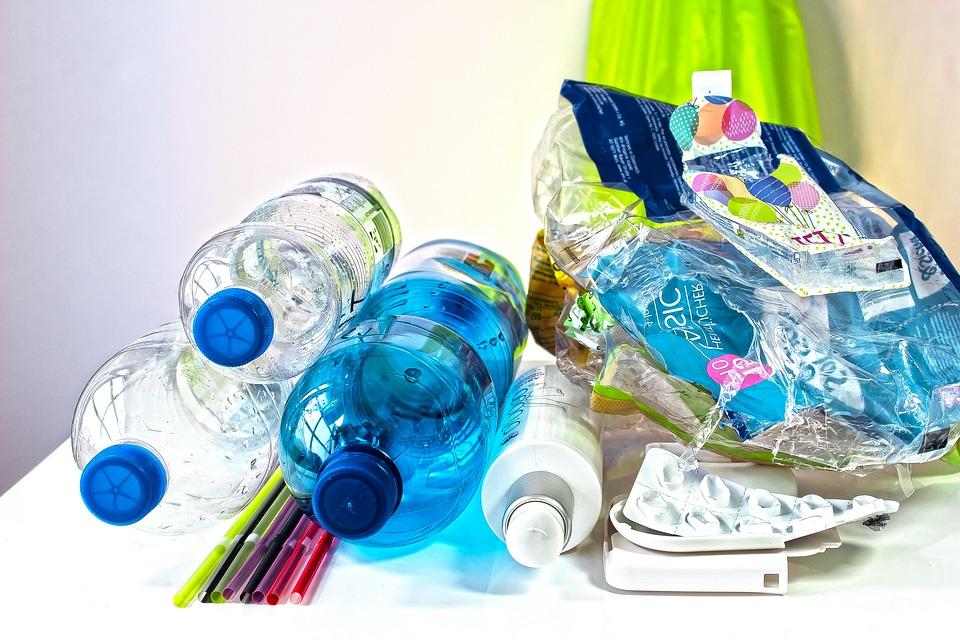 ресайклинг пластиковой бутылки