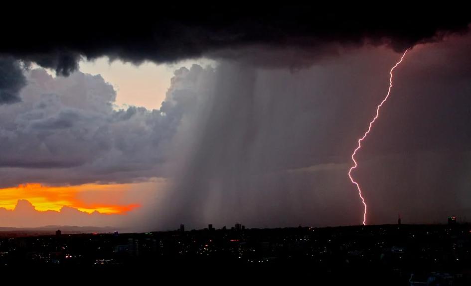 как спастись от молнии