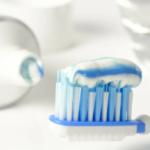 Как выбрать действенную и безопасную зубную пасту: советы специалистов