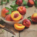 Нежная кожа и тонкая талия: 5 причин полюбить персик