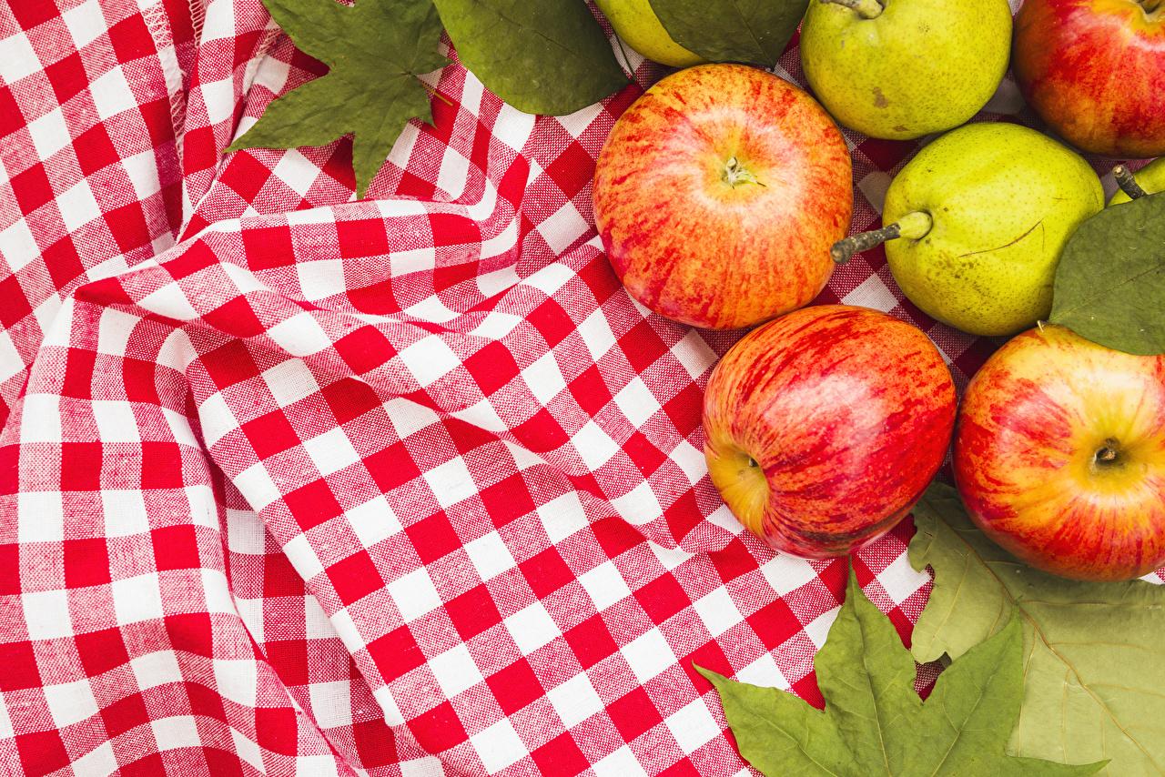 яблочным спасом