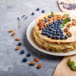 """Торт """"Наполеон"""" с заварным кремом: рецепт от Юлии Панковой, которому больше 50 лет"""