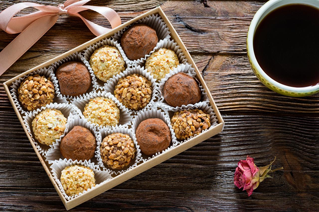 Конфеты из сухофруктов и орехов: полезный рецепт от Григория Германа