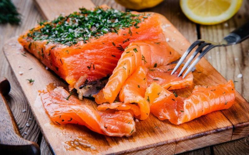 брускетта с лососем
