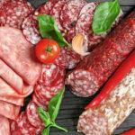 День салями: интересные факты о пикантной колбасе